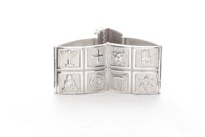 Embracing Faith armband